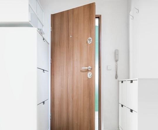 Bezpečnostní dveře do bytu Magnum