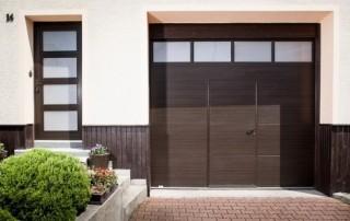 Vrata s integrovanými vstupními dveřmi č.3