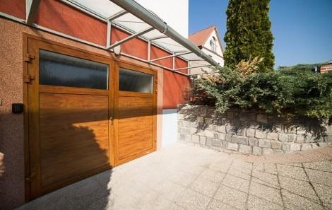 Dvoukřídlá garážová vrata č.2
